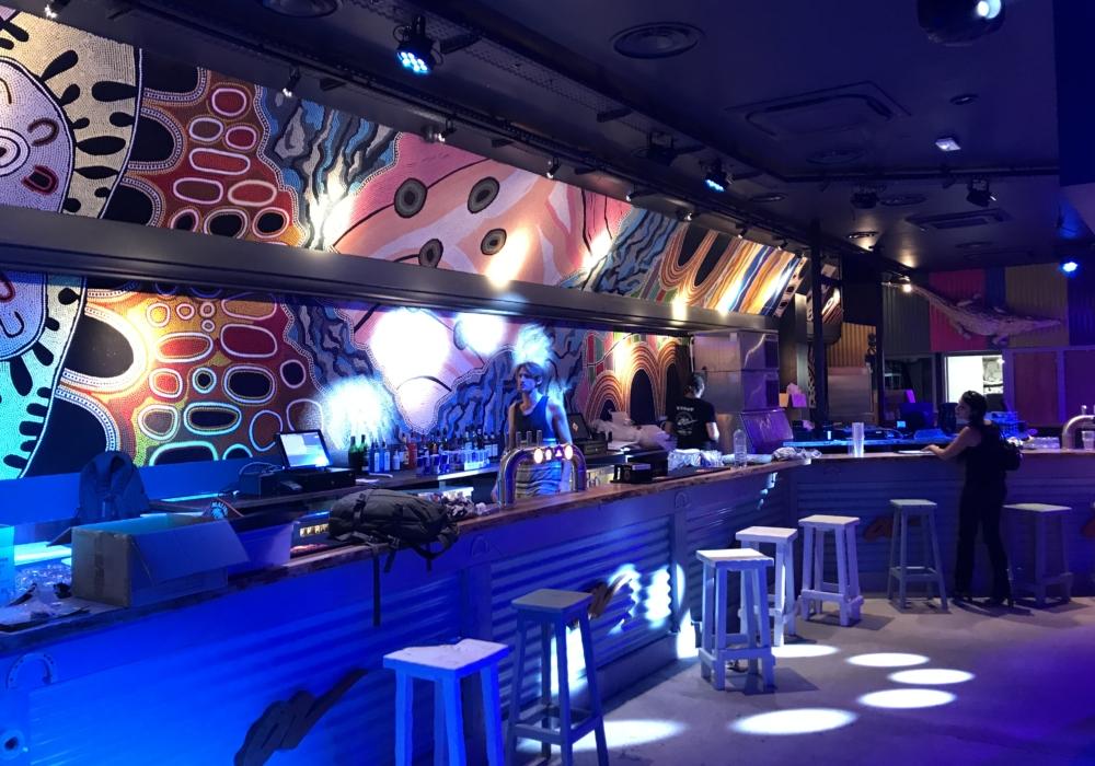 Rénovation complète du Café Oz