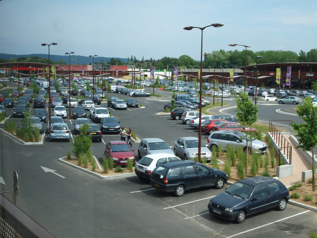 Construction du retail park Place du Dauphiné