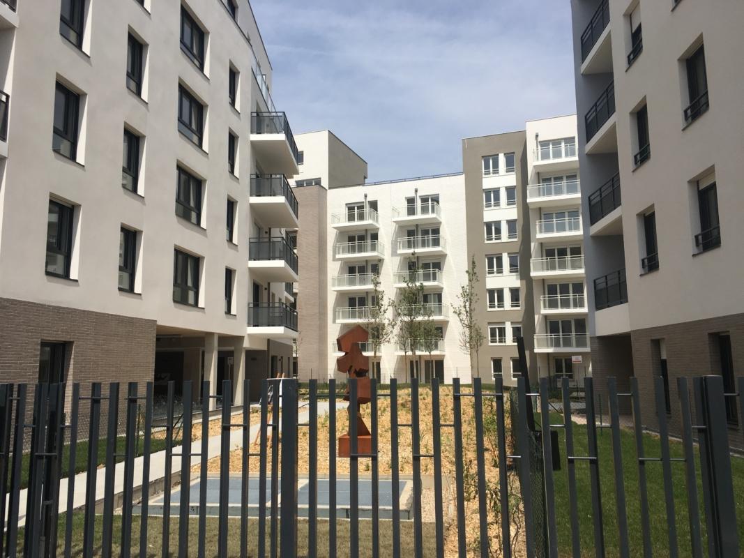 SOGEBROWN, Logements, Poissy (Yvelines) - 7 bâtiments proposant 450 logements dont une résidence pour jeunes actifs de 147 chambres